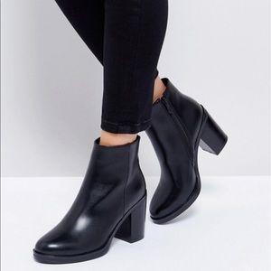 Black ASOS boots by raid